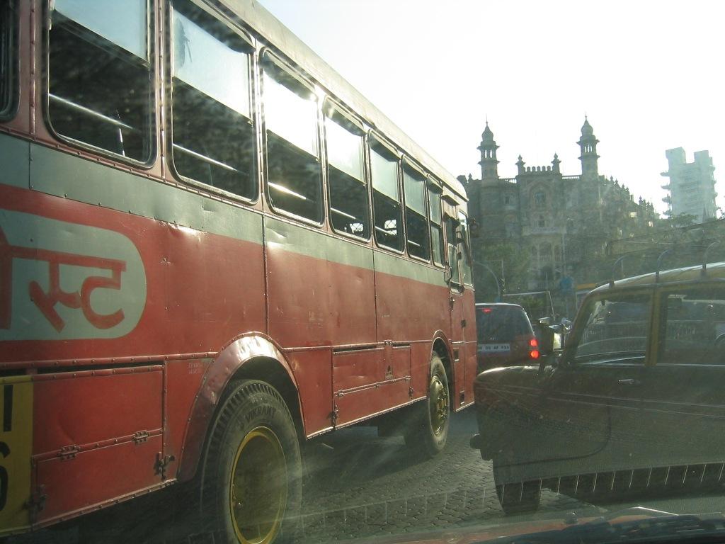 mumbai rode bus