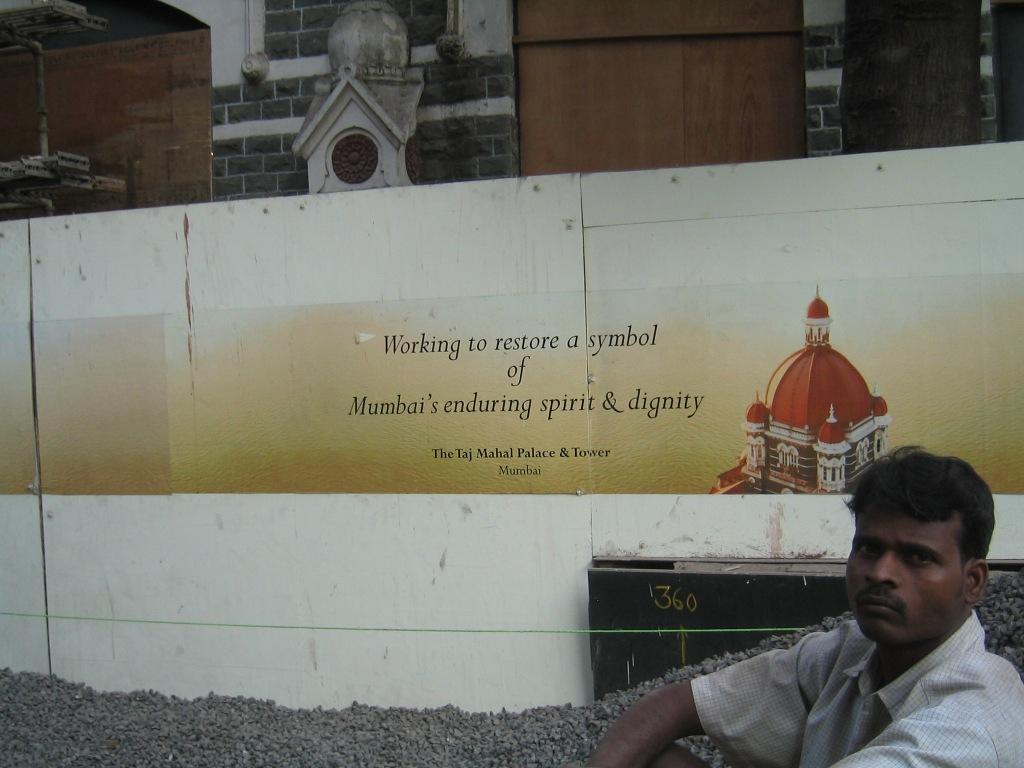 In Mumbai naderde ik een hotel van de achterkant(5)
