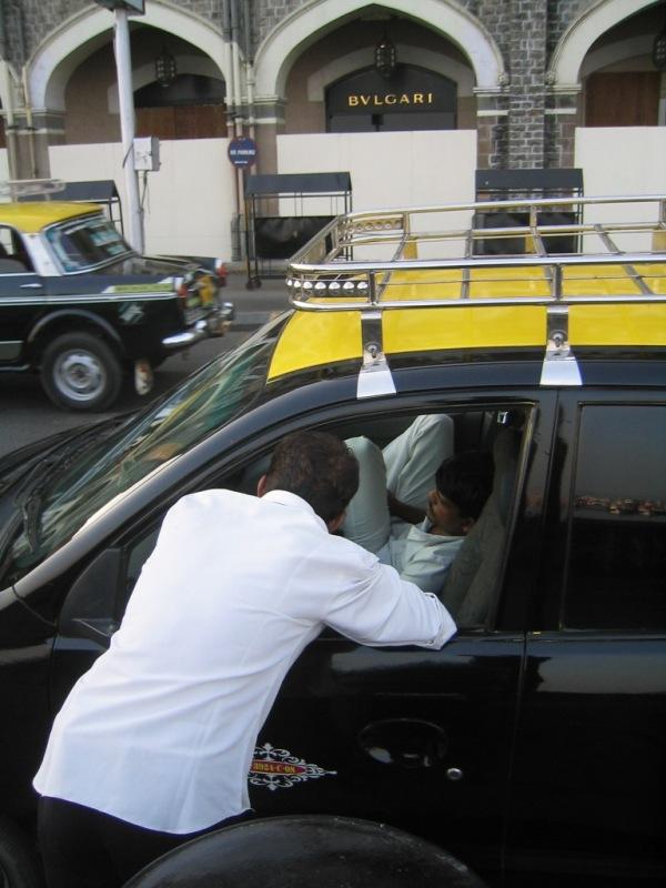 mumbai taxichauffeur