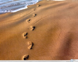 footprints-in-sand1