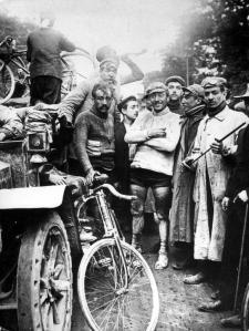 mopperkont op fiets