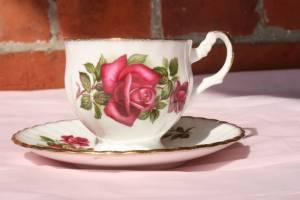 kop met roos