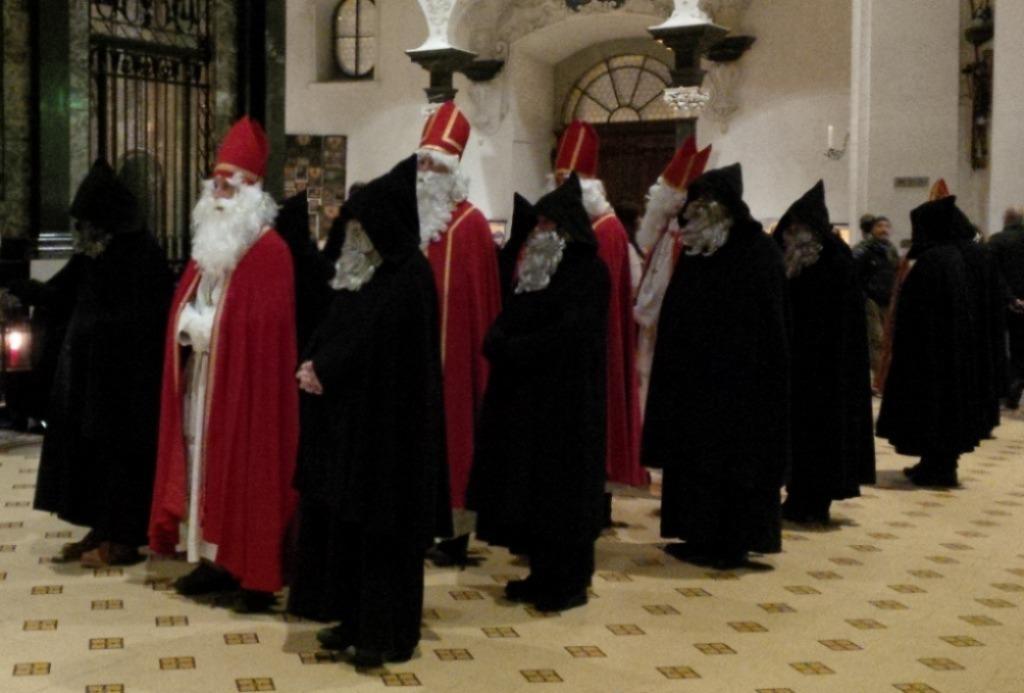 Dat heb je er nou van: de broers van Sinterklaas zijn in aantocht…
