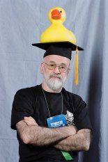 terry-pratchett-3547172