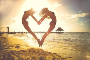 beach-beautiful-bikini-5358